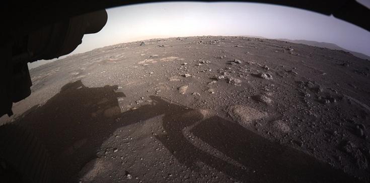 UWAGA! Pierwsze kolorowe zdjęcie z Marsa - zdjęcie