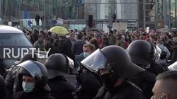 Niemcy. Tysiące manifestantów przeciwko lockdownowi [Wideo] - miniaturka