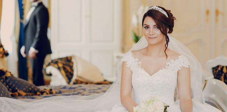 Nietypowe oczepiny – jak zaskoczyć gości weselnych - zdjęcie
