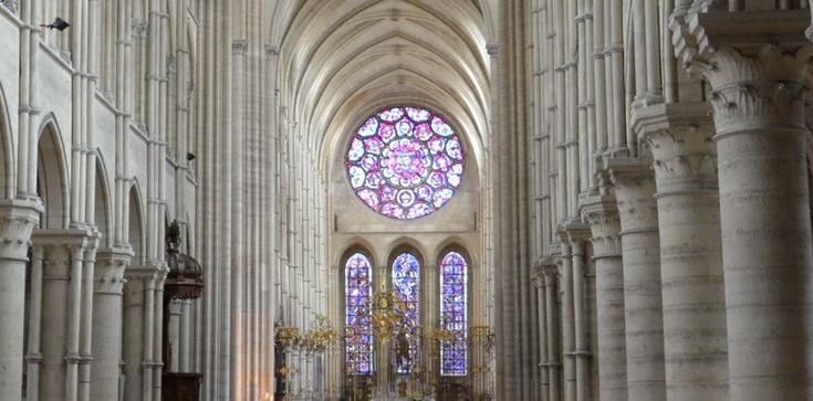 W polskich katedrach zabiły dzwony dla Notre Dame - zdjęcie