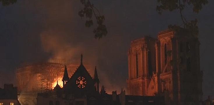 W Paryżu nie ma pieniędzy na odnowę zabytkowych kościołów - zdjęcie