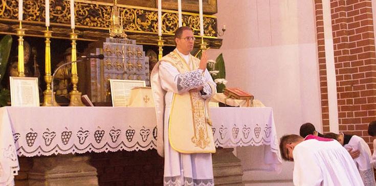 Szturm modlitewny za zaatakowanego księdza. Internet poruszony - zdjęcie