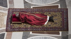 Wielki Piątek w Watykanie - miniaturka