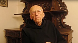 Dobre wieści od benedyktynów! O. Leon wrócił już do klasztoru  - miniaturka