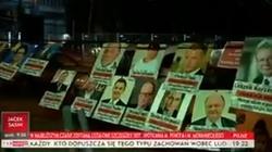 Opozycja doczekała się własnej... opozycji!!! Feministki wywiesiły przed Sejmem 'listę hańby' - miniaturka