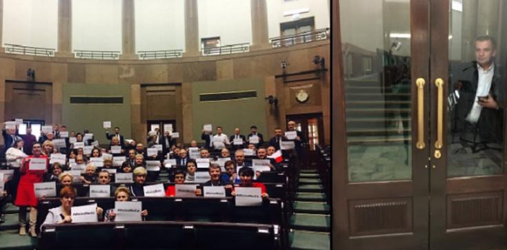 Kolejna groteska w wydaniu Opozycji Totalnej. Tym razem...Arłukowicz zamknięty na galerii - zdjęcie