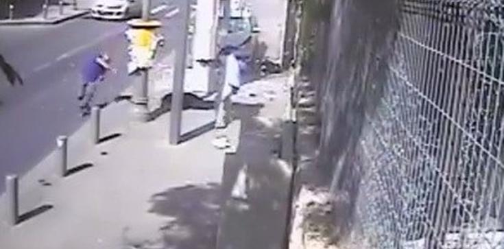 SZOKUJĄCE VIDEO! Palestyńczyk przejeżdża samochodem i dobija maczetą Żydów! - zdjęcie