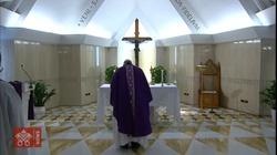 Papież: czas próby to czas przestawienia kursu życia na Boga - miniaturka