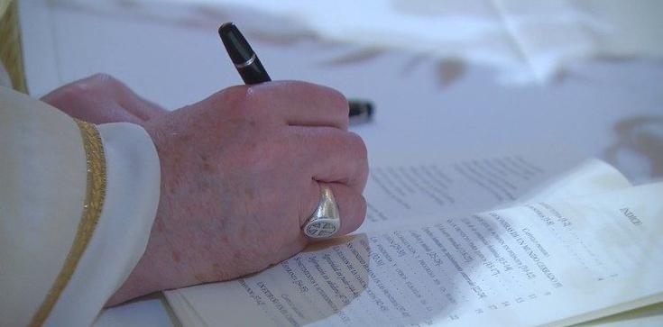 ,,Fratelli tutti'' - najnowsza encyklika papieża Franciszka podpisana dzisiaj w Asyżu  - zdjęcie