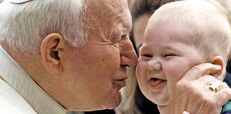Ojcze Święty, pamiętamy! - zdjęcie