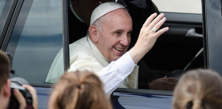 Argentyńska prasa: Papież Franciszek zdobył serca Polaków - zdjęcie