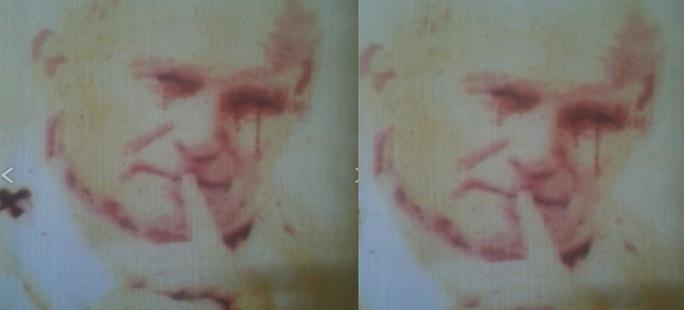 Z obrazu Papieża Jana Pawła II popłynęły ... krwawe łzy?