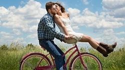 Jak się całować... przed ślubem? Konkretne porady - miniaturka