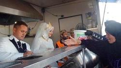 Ach, co to był za ślub! Wesele z... 4 tys. syryjskich uchodźców - miniaturka