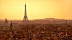 Zamach w Paryżu, samochód staranował ludzi - miniaturka