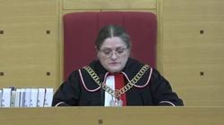 Posiedzenie TK ws. zabezpieczeń TSUE. Sędzia Pawłowicz ogłosiła przerwę do 13 maja - miniaturka