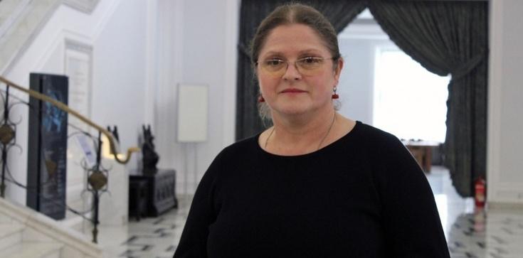 Krystyna Pawłowicz dla Frondy: ''Wiedźmy'' nadlecą 8 marca na czarny strajk - zdjęcie