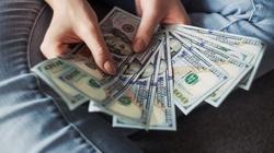 Kredyt gotówkowy a polityka, czyli jak polityka wpływa na finanse, kredyty, stopy procentowe? - miniaturka