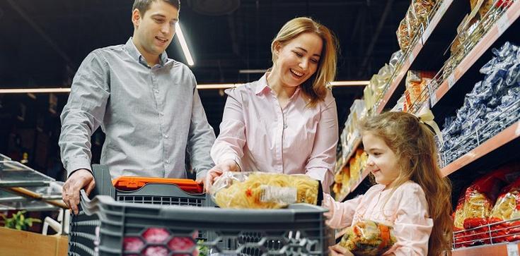 Mniejsze wydatki na zakupy i większe oszczędności - jak to osiągnąć? - zdjęcie