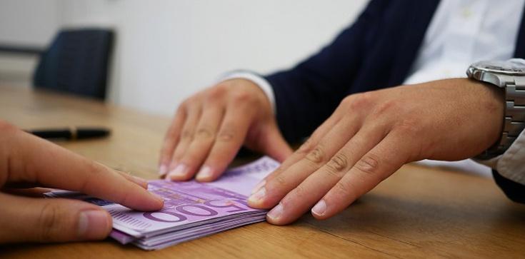 Pożyczki online. Jak zaciągnąć i na co zwrócić uwagę?  - zdjęcie