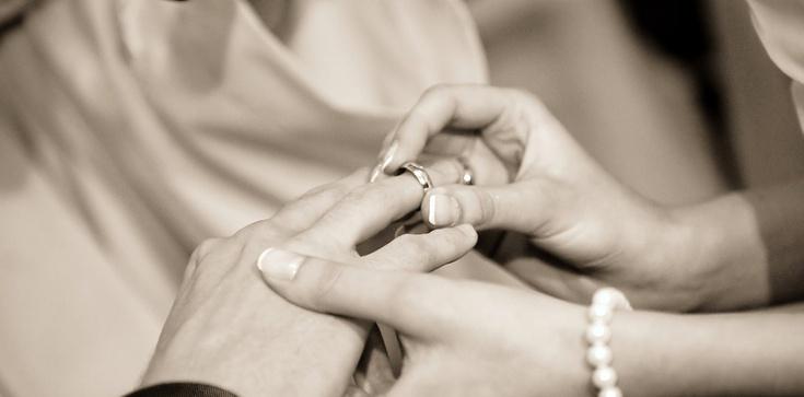 O. Jacek Salij OP: Czy katolik może wziąć ślub z osobą niewierzącą? - zdjęcie