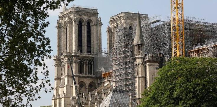 Francja: rząd naruszył wolność kultu, orzekł trybunał administracyjny - zdjęcie