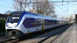 Tragedia na przejeździe kolejowym. Nie żyje kobieta i dwójka dzieci - miniaturka
