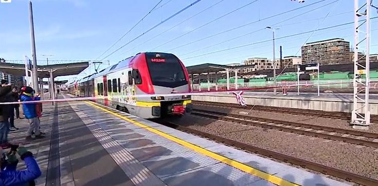Dziś po 24 latach wjechał pierwszy pociąg na stację Warszawa Główna - zdjęcie