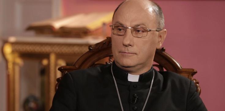 Abp Polak: Pójdziesz w Święta do kościoła - masz grzech - zdjęcie