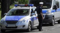 Szok... 52-latek w Rzezawie rozjeżdżał katolików na chodniku - miniaturka