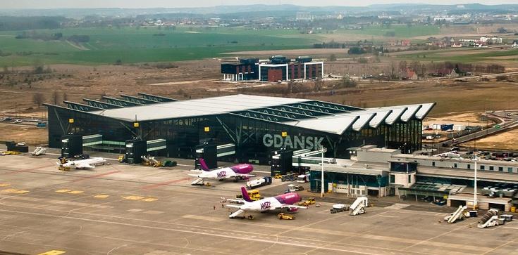 Gdańsk. Na lotnisku uwięzionych ponad 100 osób, bo … - zdjęcie