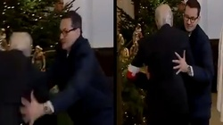 Refleks premiera Morawieckiego: Uratował kombatanta przed upadkiem! [FILM] - miniaturka
