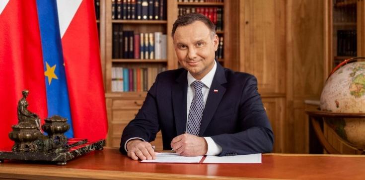 Prezydent podpisał ustawę o ruchu drogowym. Są zmiany w prawach pieszych - zdjęcie