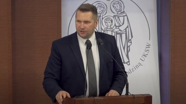 ,,Pandemia spotęgowała otyłość wśród dzieci''. Prof. Czarnek prezentuje program aktywnego powrotu do szkół  - miniaturka