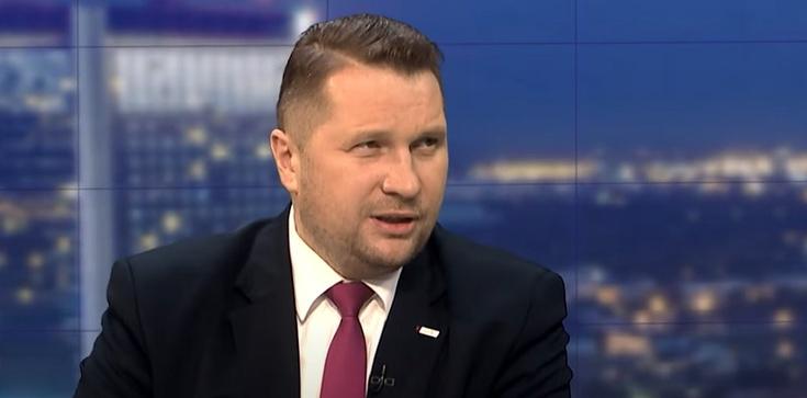 Min. Czarnek komentuje protesty: ,,Wulgarne i obsceniczne'' - zdjęcie
