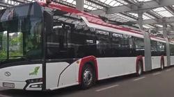 BRAWO POLSKA! Pierwszy w Polsce szkolny autobus elektryczny zawiezie dzieci na lekcje - miniaturka