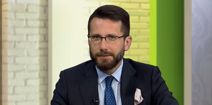 Radosław Fogiel: Nikt z PiS nie będzie siadał do stołu z Budką i negocjował propozycji, które łamią Konstytucję - zdjęcie