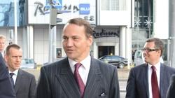 Sikorski nie ma wstydu! 'Kaczyński przyczynił się do śmierci brata' - miniaturka