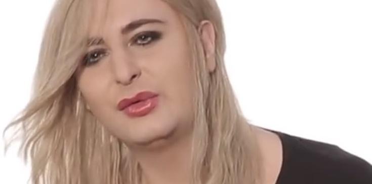 Policja bada sprawę ataku Rafalali na nastolatkę. Brudziński: Agresywny transwestyta hołubiony przez celebrytów... - zdjęcie