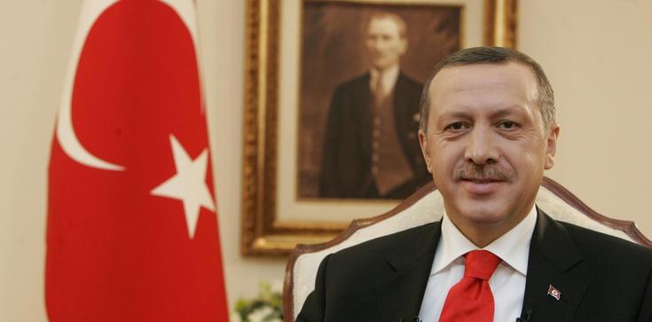 Erdogan odgrywa się na Europie, dramatyczna sytuacja migrantów - zdjęcie