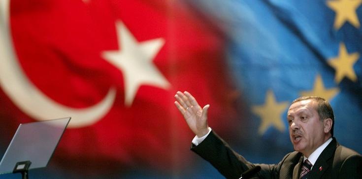 Unia Europejska ociepla stosunki z Turcją - zdjęcie