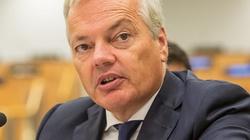Unijny komisarz nie odpuszcza i dalej straszy Polskę - miniaturka
