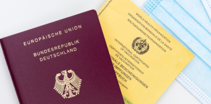 W Niemczech wzrasta liczba fałszerstw paszportów szczepionkowych - zdjęcie