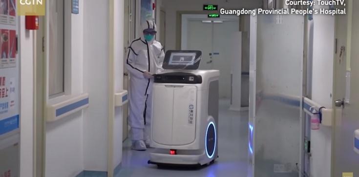 Koronawirus. Roboty 5G i leczenie chorych w Wuhan - zdjęcie