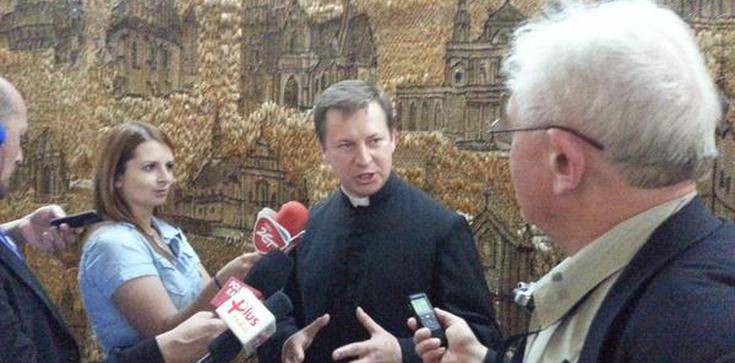 Autor książki o Polakach ratujących Żydów rzecznikiem episkopatu - zdjęcie