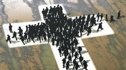 Czy laicyzacja w Polsce to utrata potrzeby przeżyć duchowych, czy obrażenie się na Kościół katolicki? - miniaturka