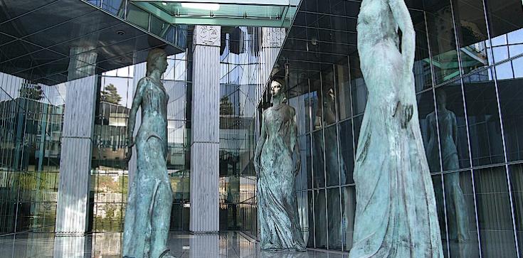 Polacy bronią reformy sądów. SETKI TYSIĘCY maili - zdjęcie