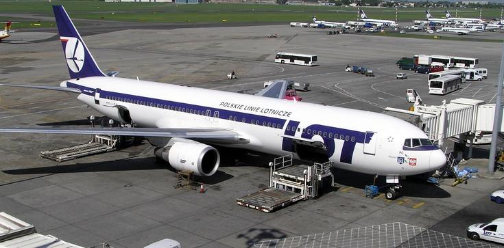 Koronakryzys: Branża lotnicza cofnęła się do poziomu sprzed 14 lat - zdjęcie