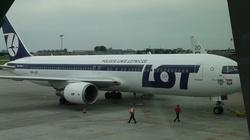 Rząd znosi obowiązek zachowania pustych miejsc w samolotach - miniaturka