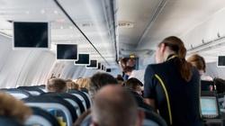 Dziewczynka poparzyła się podczas lotu do Krakowa. Ryanair płaci wysokie odszkodowanie - miniaturka
